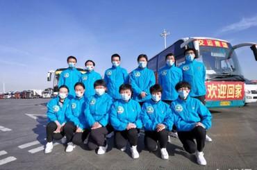 青島20名援鄂醫療隊成員解除隔離返青