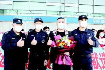 青岛辅警唐凯赴济南捐献造血干细胞